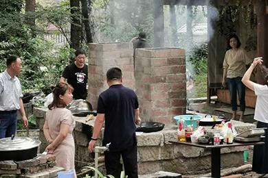 森林营地共享厨房